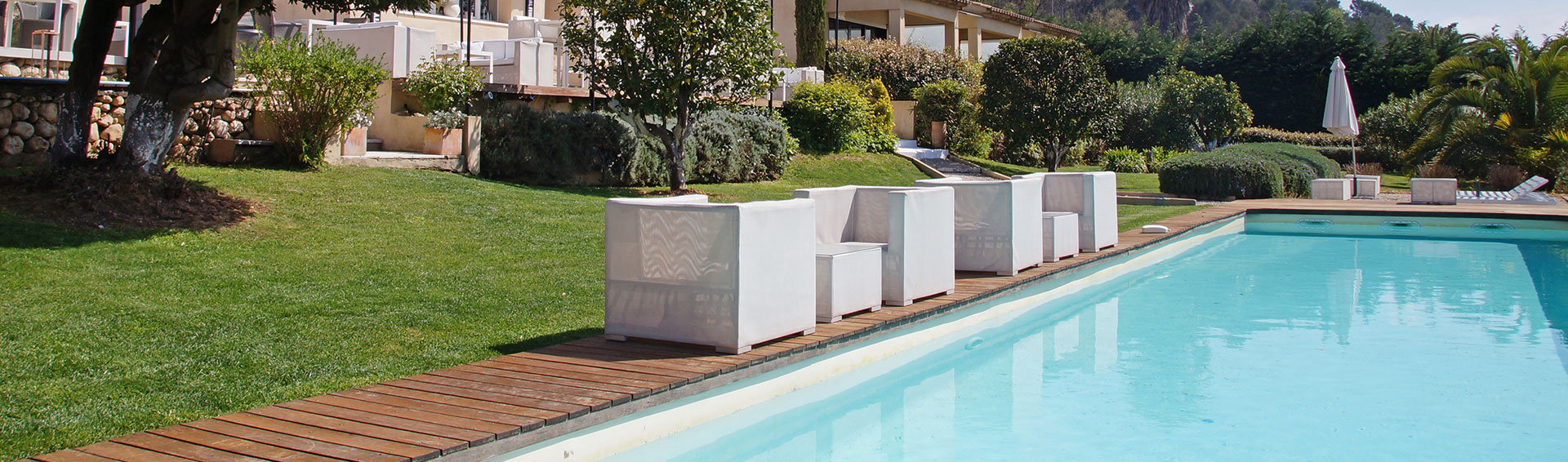 pisciniste des alpilles construction piscine le m tier du pisciniste. Black Bedroom Furniture Sets. Home Design Ideas